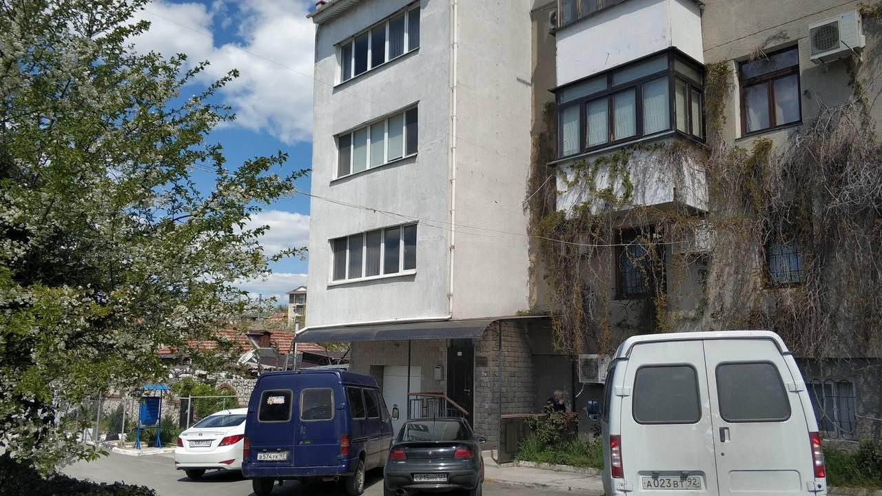 г Севастополь, ул Пионерская, д 3