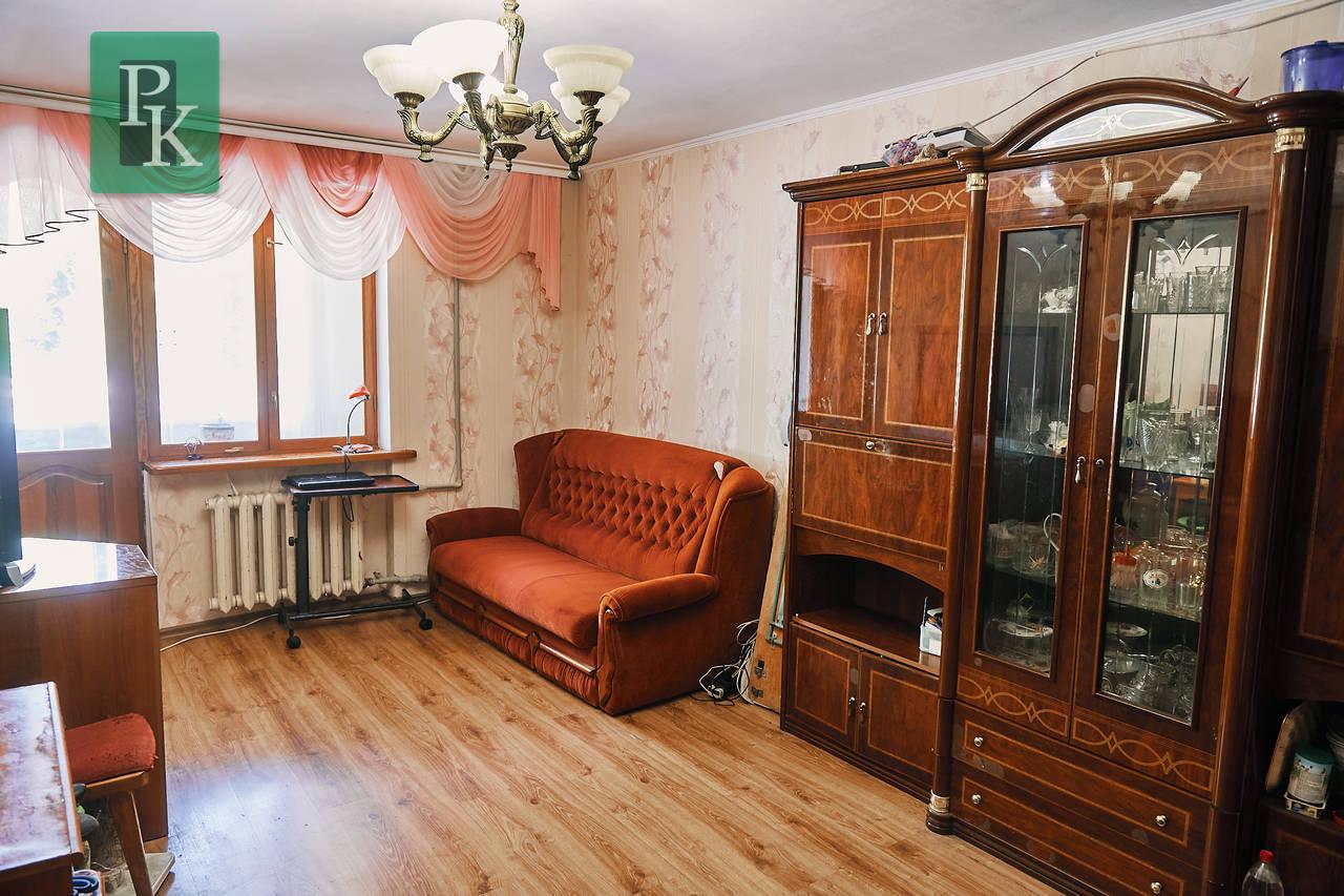 Продается трехкомнатная квартира на ул. Ерошенко, д.6