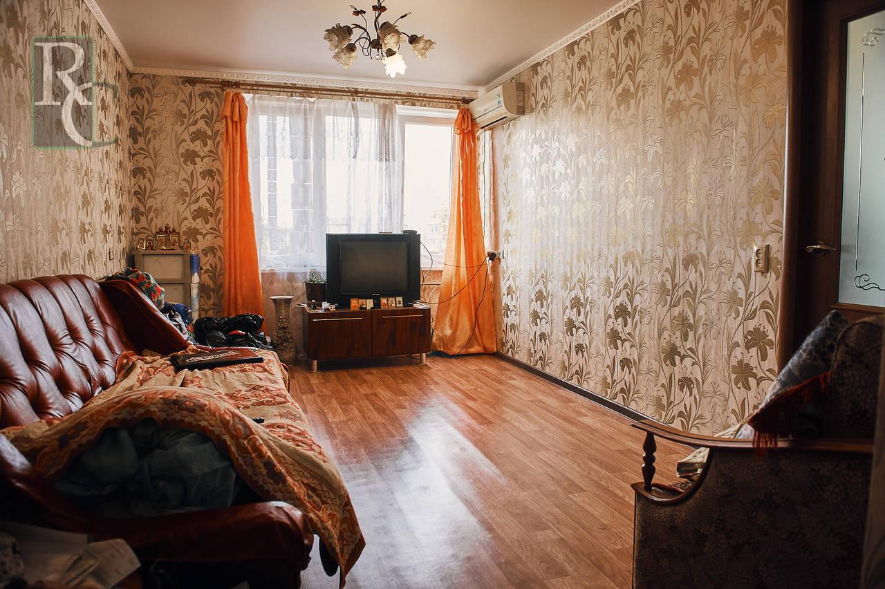 Трёхкомнатная комфортабельная квартира с ремонтом на М. Крылова 23