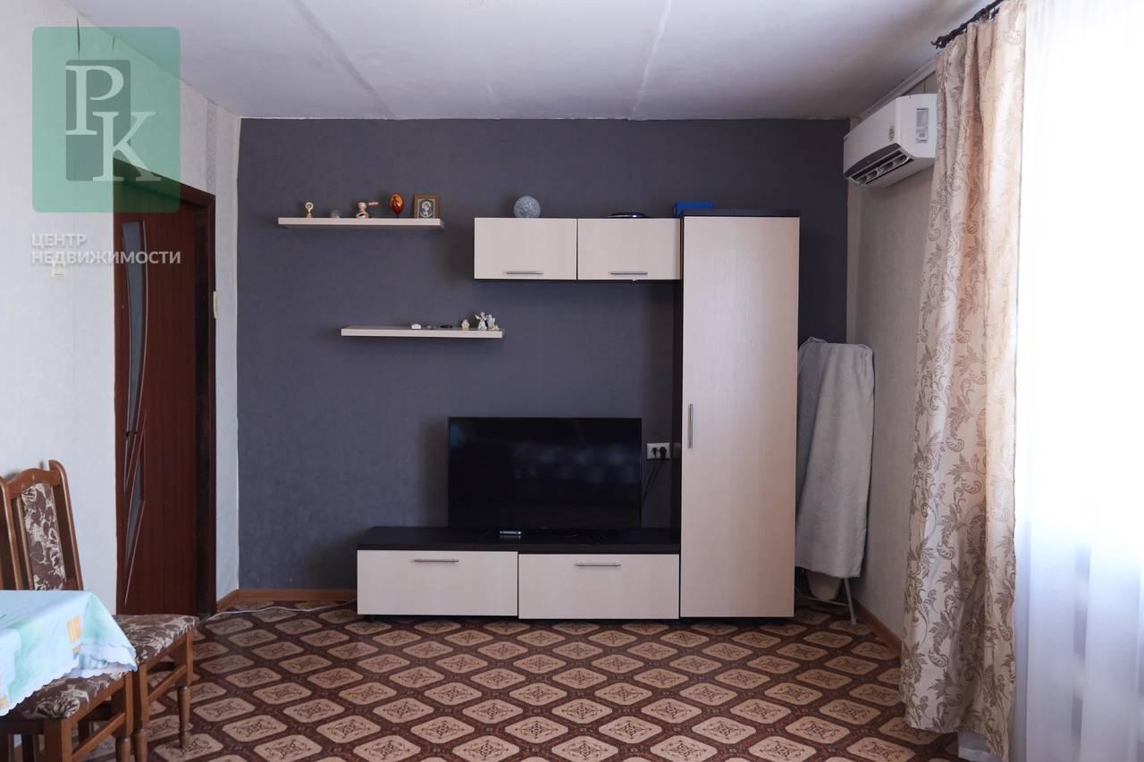 Продается просторная видовая двухкомнатная квартина ул. Софьи Перовской, 52