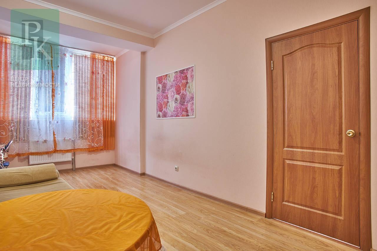 Однокомнатная квартира на Комбрига Потапова 18