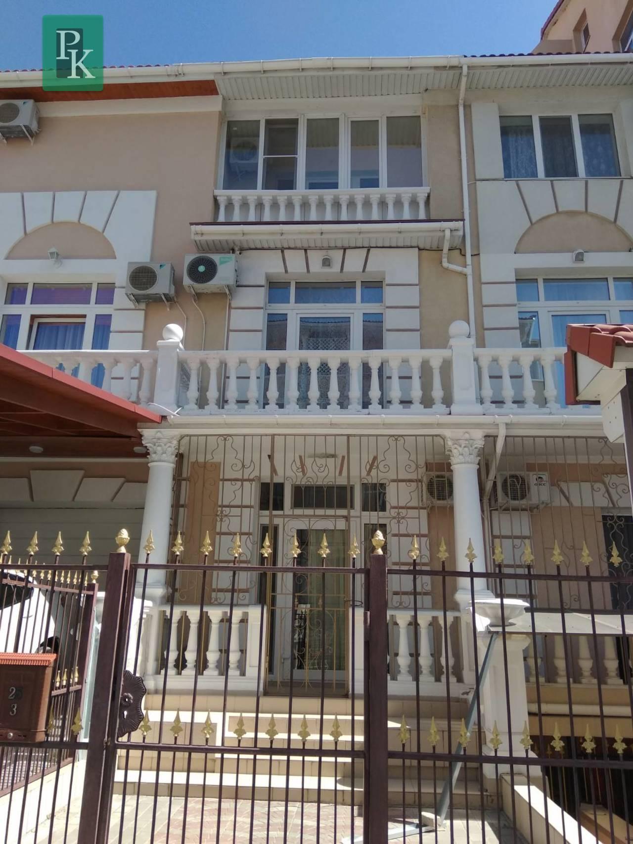 Шикарная двухуровневая кварира в центре Севастополя