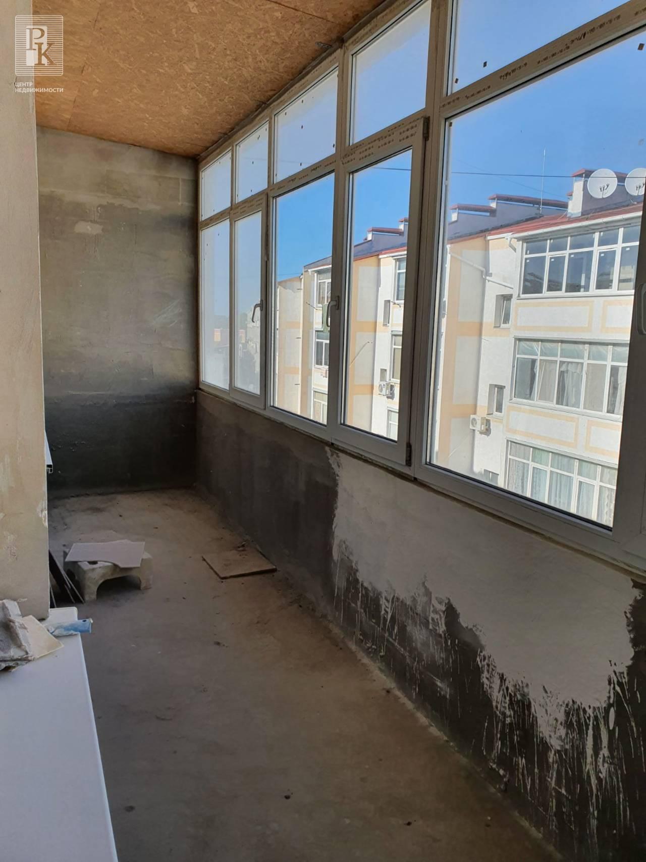 Продается крупногабаритная двухкомнатная квартира на Вакуленчука 53