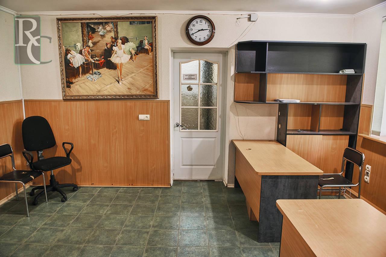 Двухкомнатная квартира в центре Севастополя.