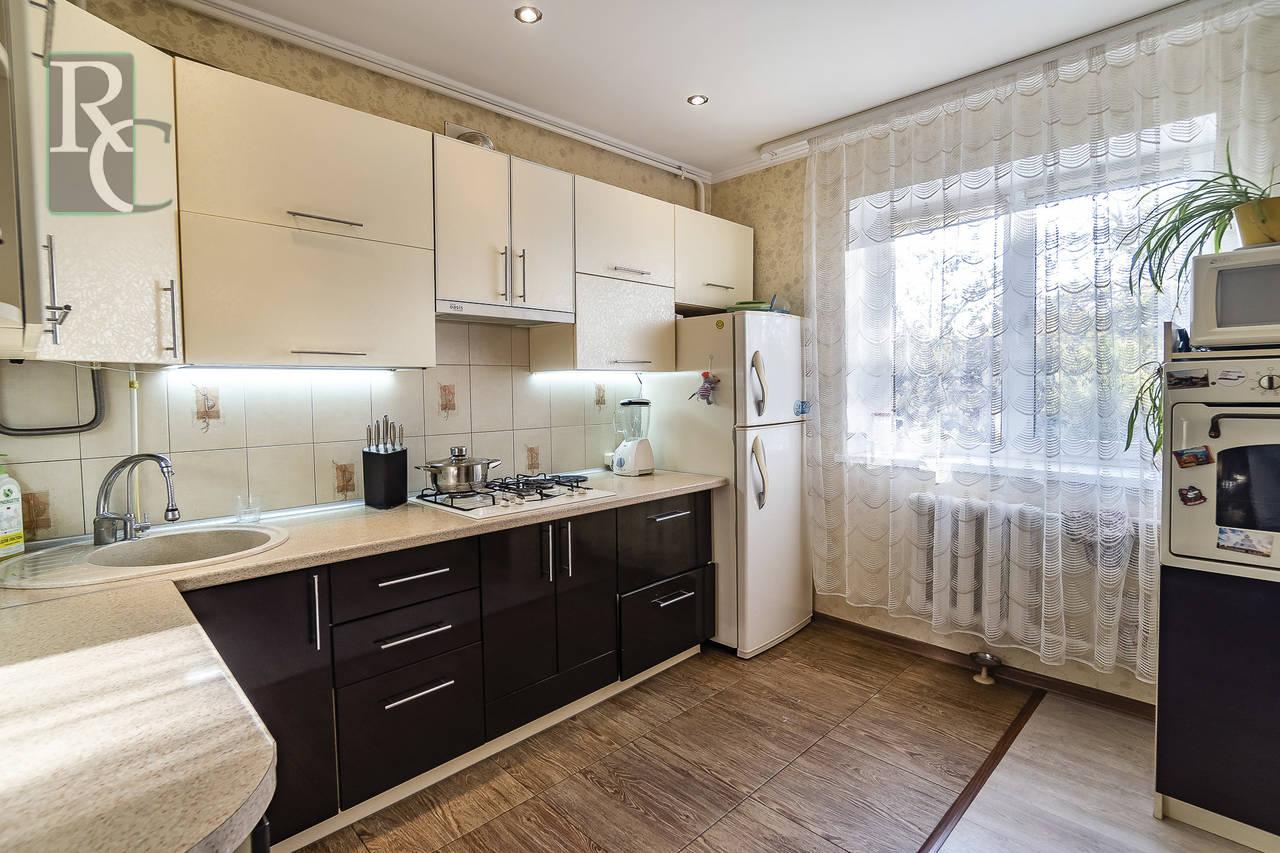 Продаётся отличная трёхкомнатная квартира в Ленинском районе