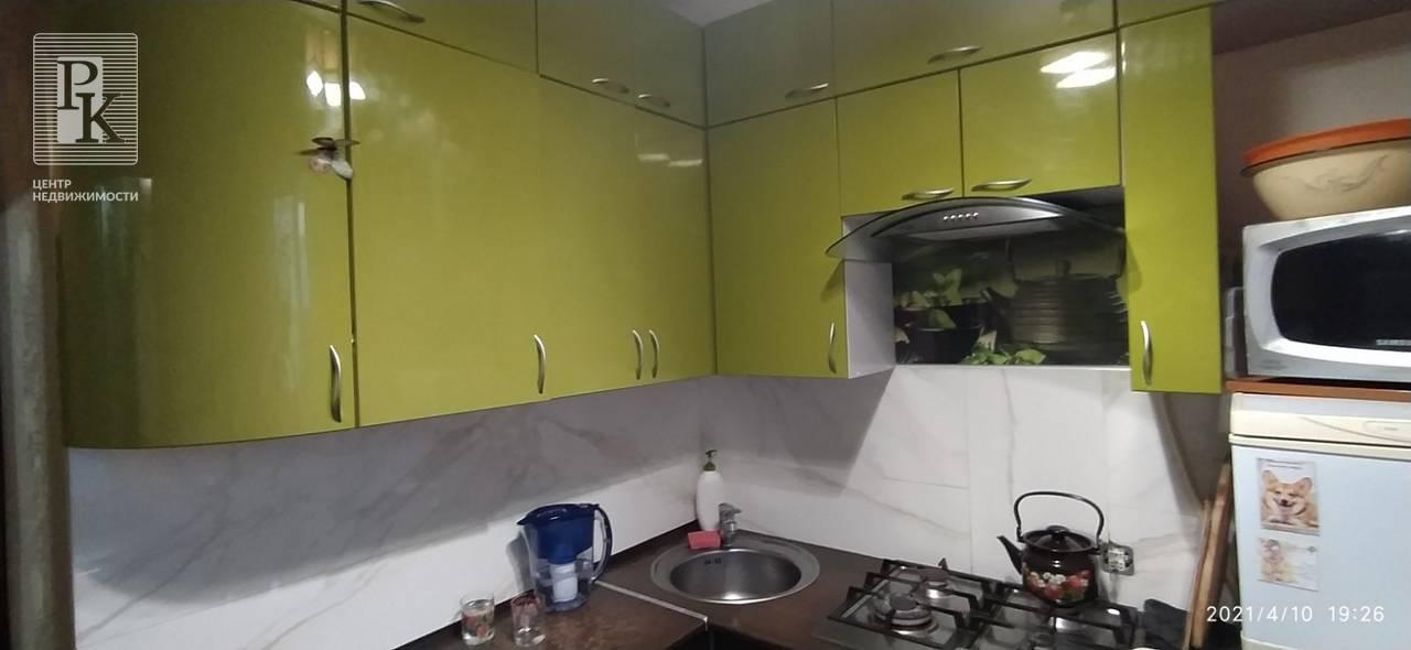 Продается двухкомнатная квартира на Проспекте Октябрьской революции, 87
