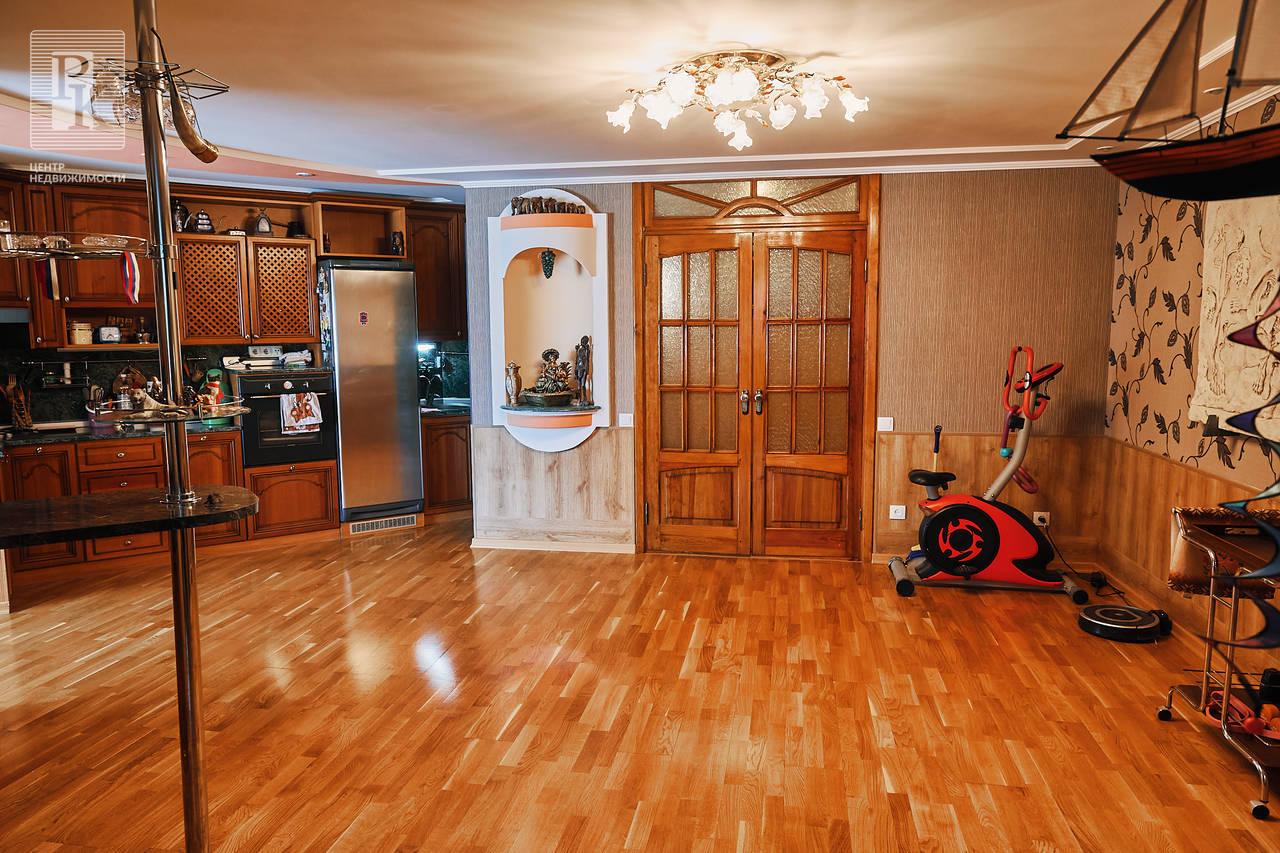 Шикарная 4-х комнатная квартира на ул. Косарева 3