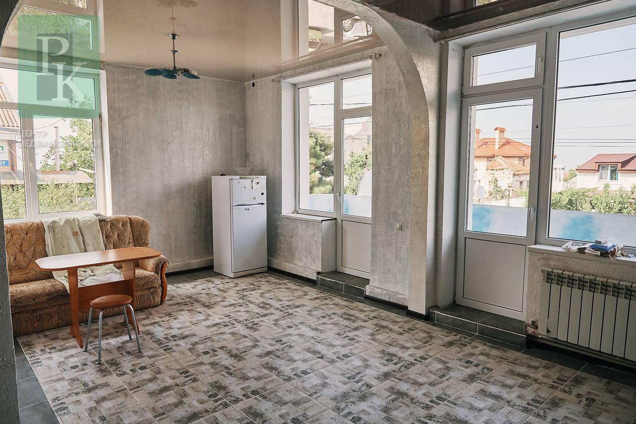 Трехкомнатная квартира, ул. Сафронова, 75