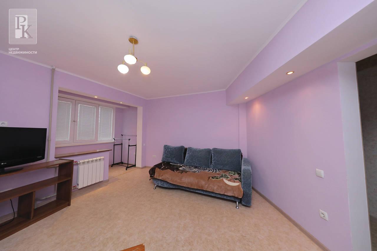 Продаётся однокомнатная квартира на ул. Героев Бреста 21.