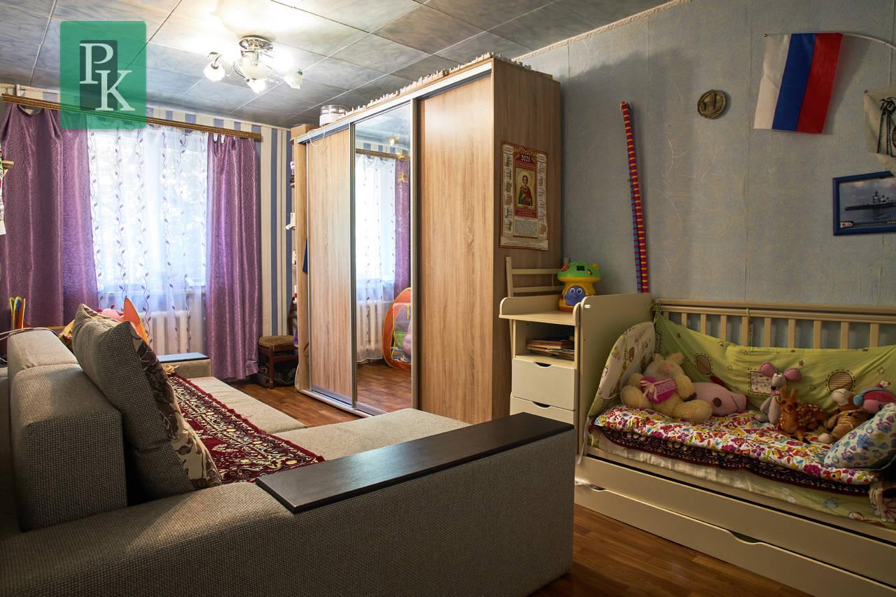 Трехкомнатная квартира на проспекте Генерала Острякова,д.191