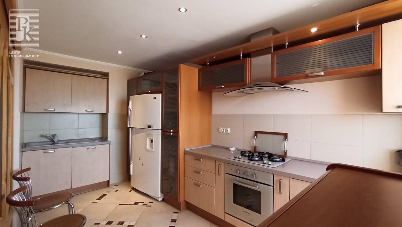 Трехкомнатная квартира на ул. Шевченко, д. 56
