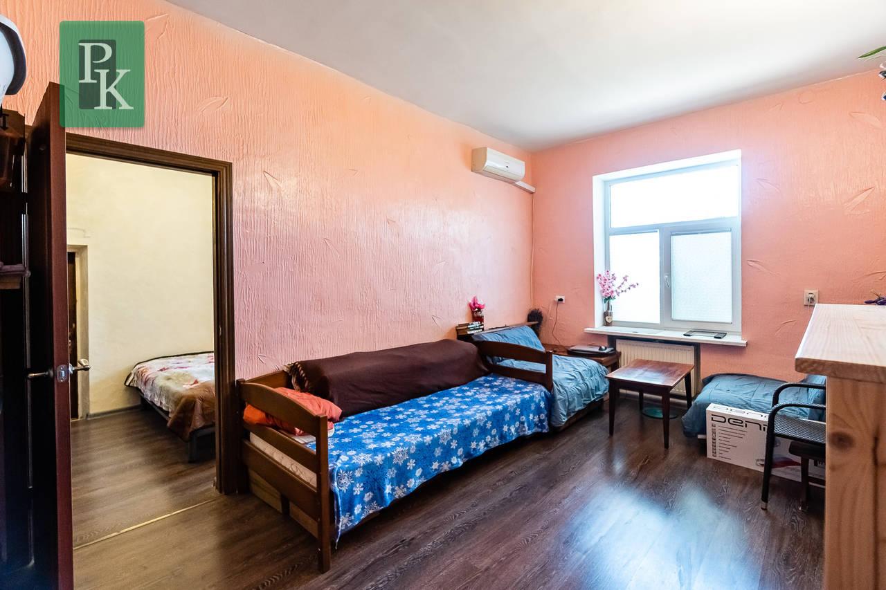 Продаётся трехкомнатная квартира с АГВ в Нахимовском районе