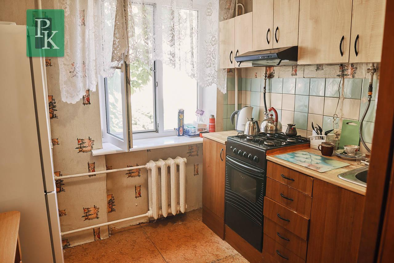 Продается двухкомнатная квартира в центре города на Киевской 15