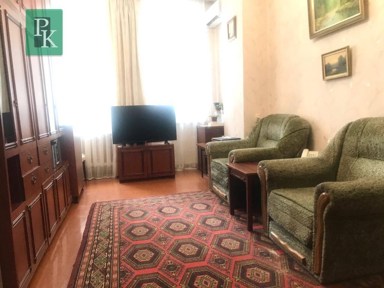 Большая однокомнатная квартира на улице Адмирала Макарова,13