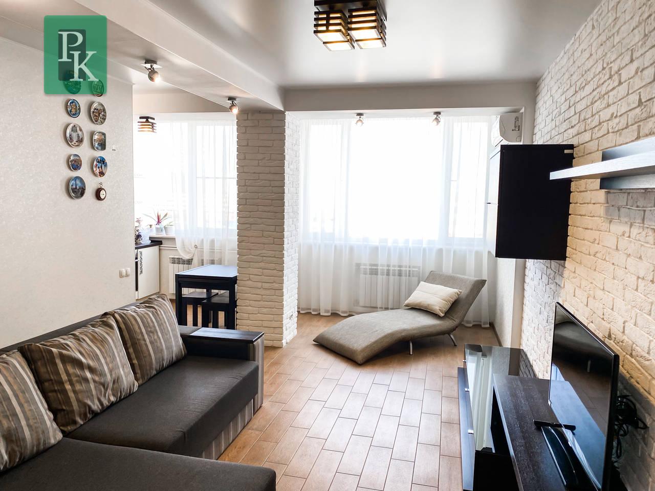 Элитная 2к.квартира возле пляжа Адмиральская лагуна.