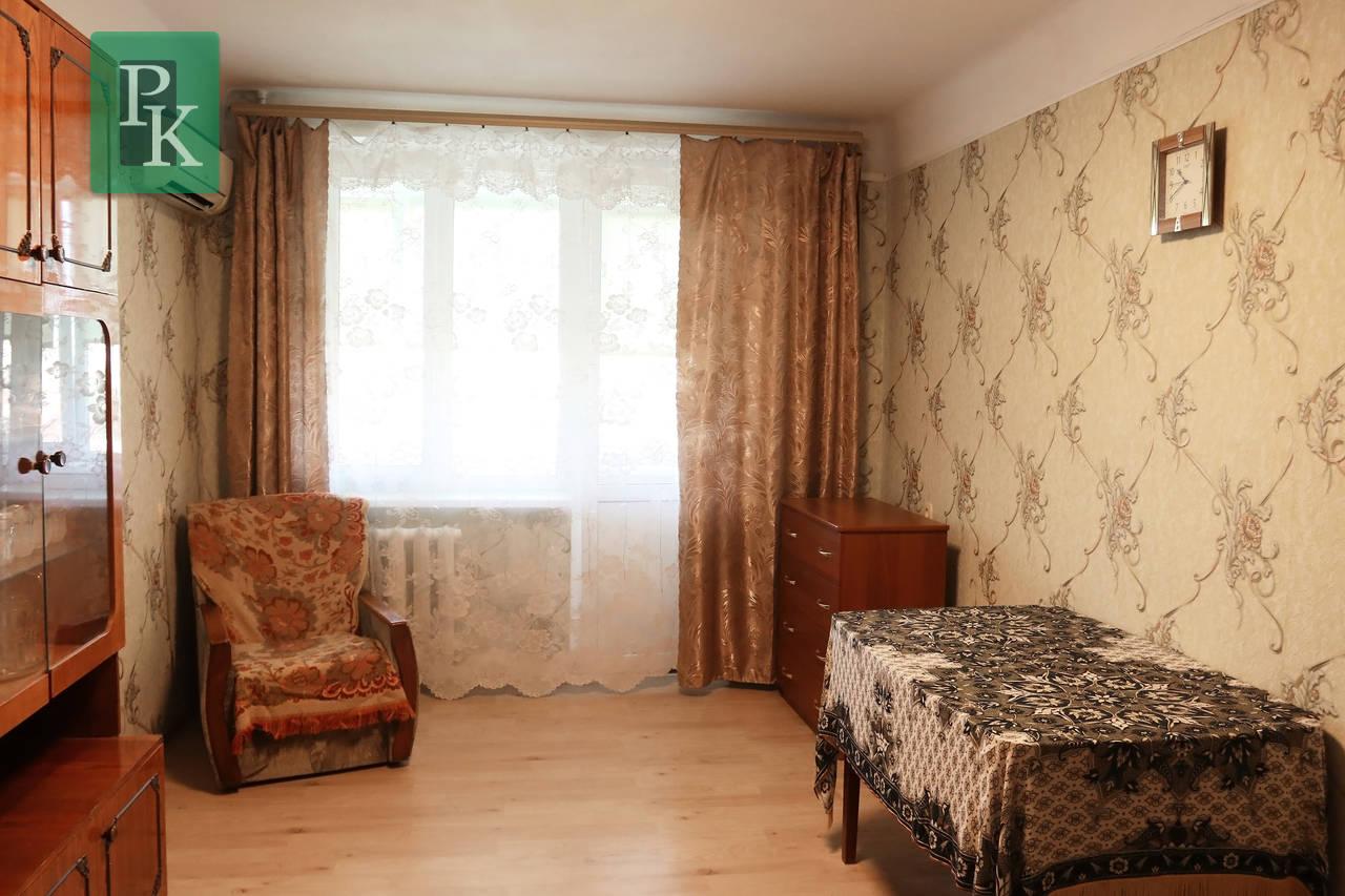 Продается двухкомнатная квартира в самом центре.