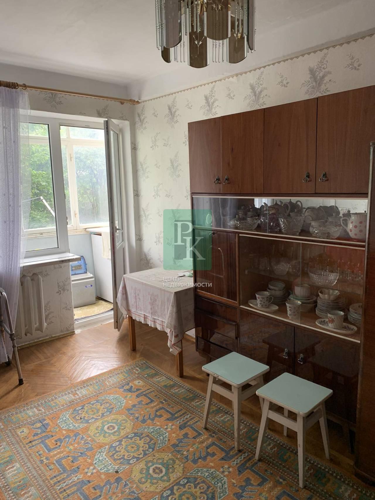 Продается однокомнатная квартира на Ефремова 22.