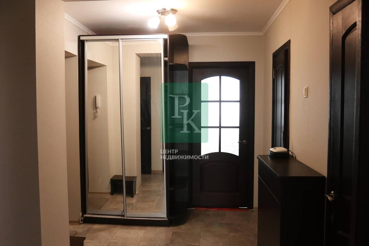 Продам просторную квартиру на в самом популярном районе Севастополя на ПОР!