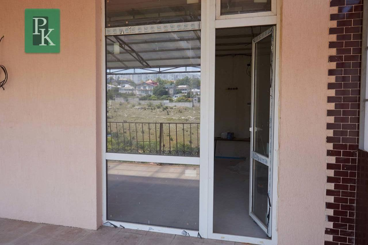 Продам новую трехкомнатную видовую квартиру с отдельным входом