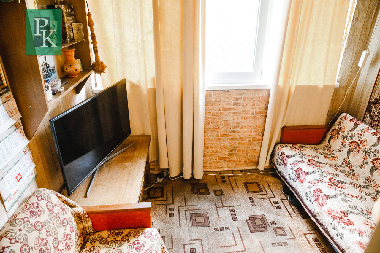 Крупногабаритная однокомнатная квартира на Острякова 160