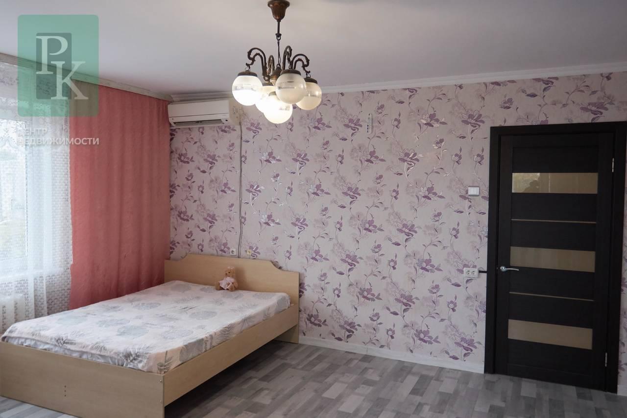 Продается крупногабаритная квартира  по адресу ПОР 26