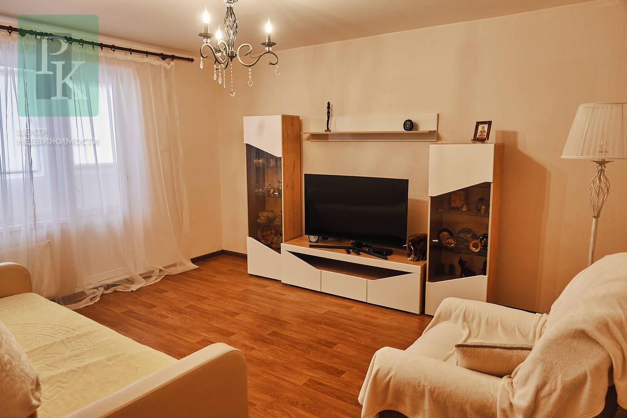 Трехкомнатная квартира на ул. Комбрига Потапова29