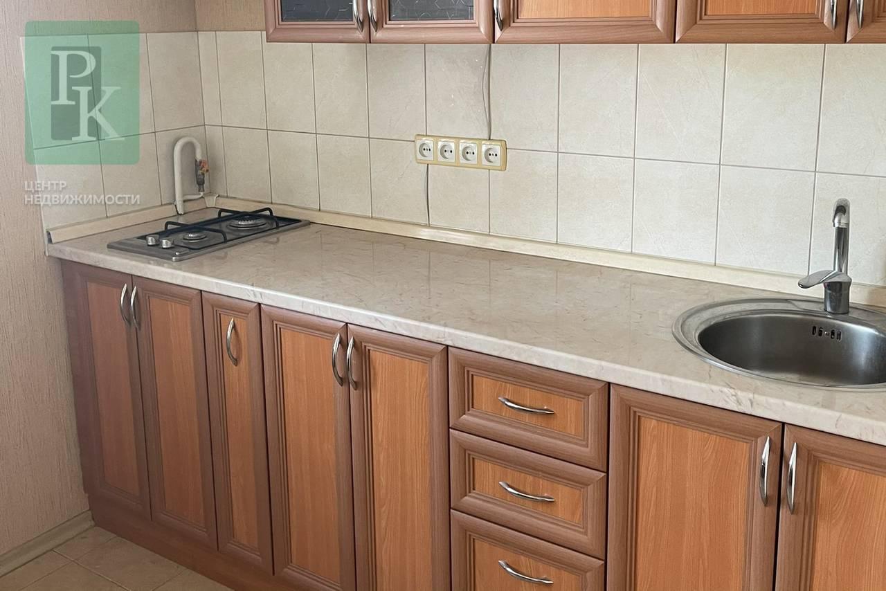 Продается двухкомнатная квартира на Гагарина 6!