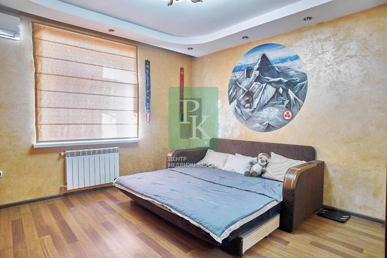 Продается большая трёхкомнатная квартира, по адресу улица Инженерная, 47