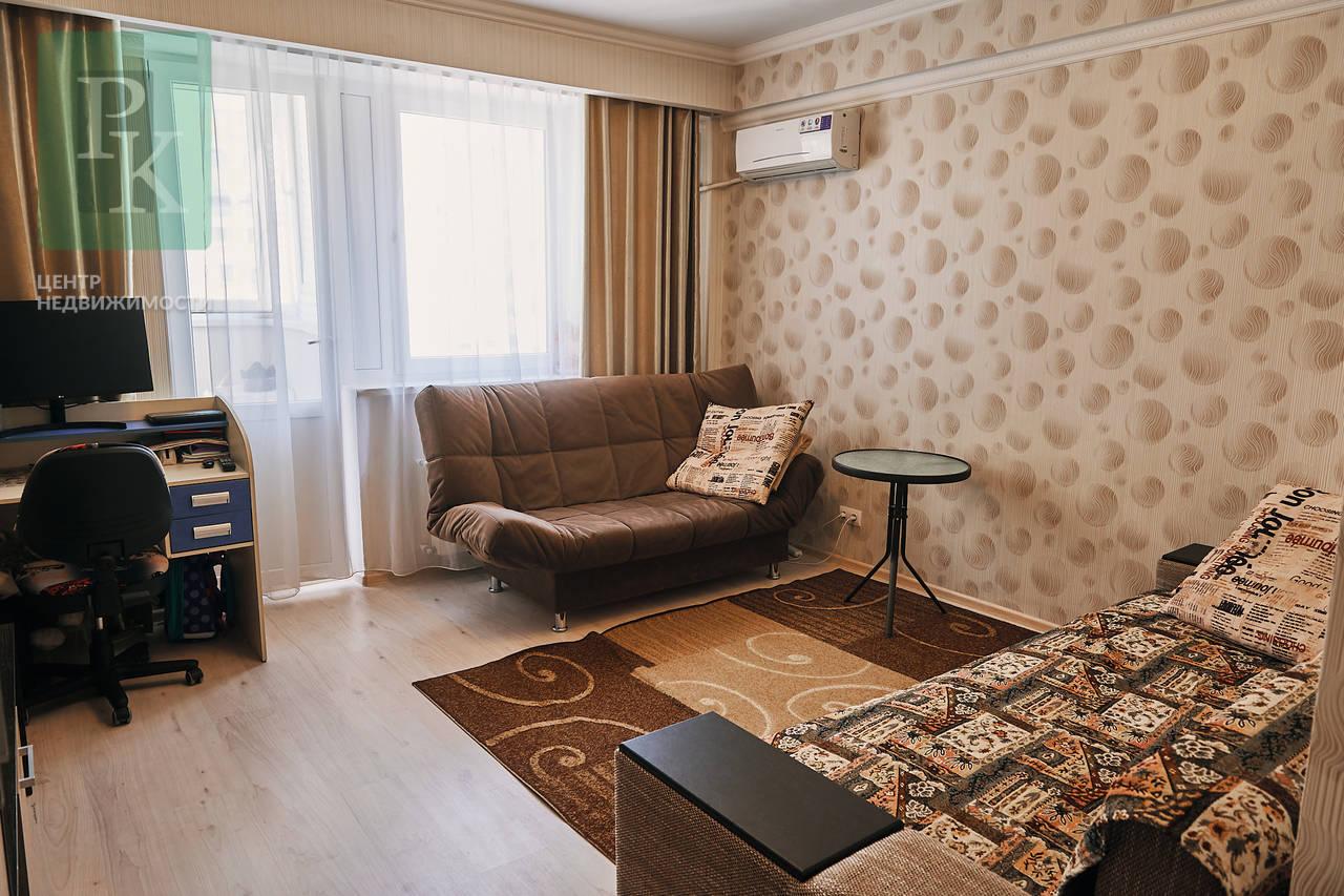 Крупногабаритная однокомнатная квартира на Античном 12А