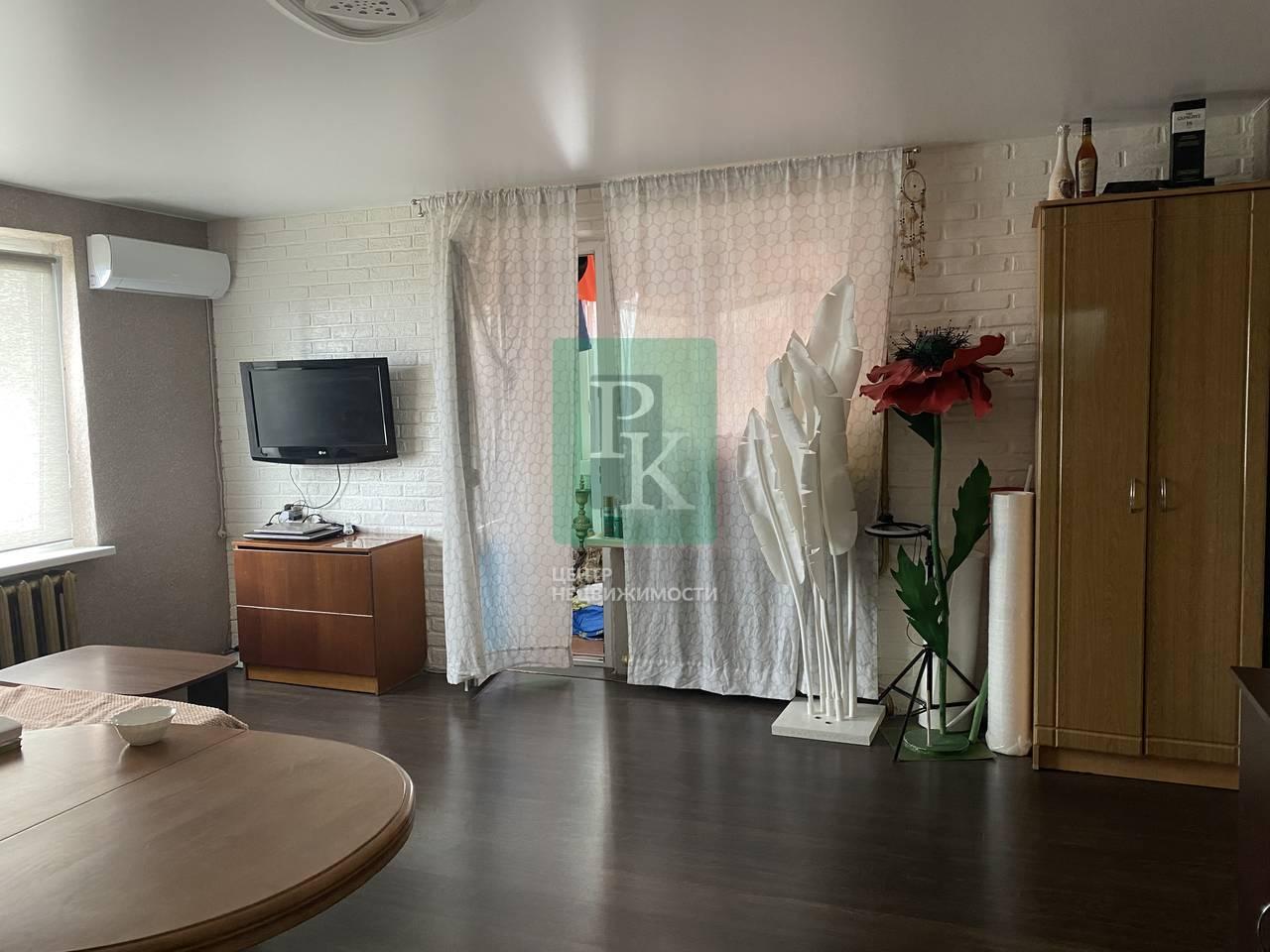 Продаётся однокомнатная квартира 43,1м² на Генерала Острякова 212  5/9эт.
