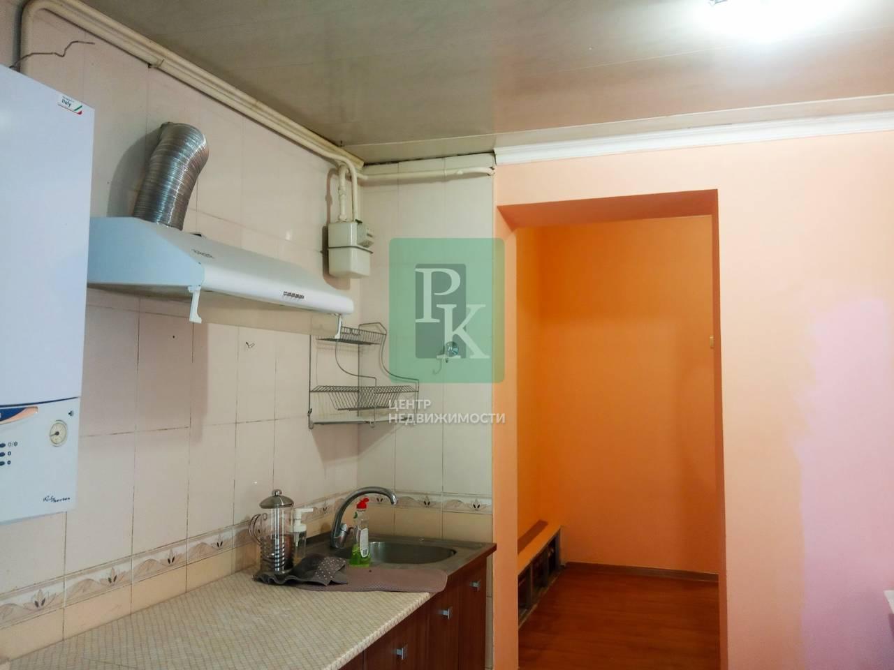 Продается однокомнатная квартира  в г Бахчисарае