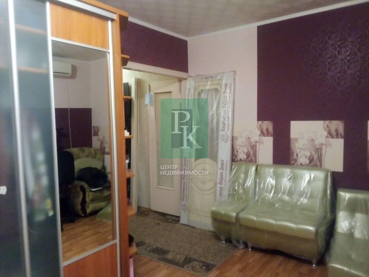 Продам двухкомнатную квартиру в селе Холмовка