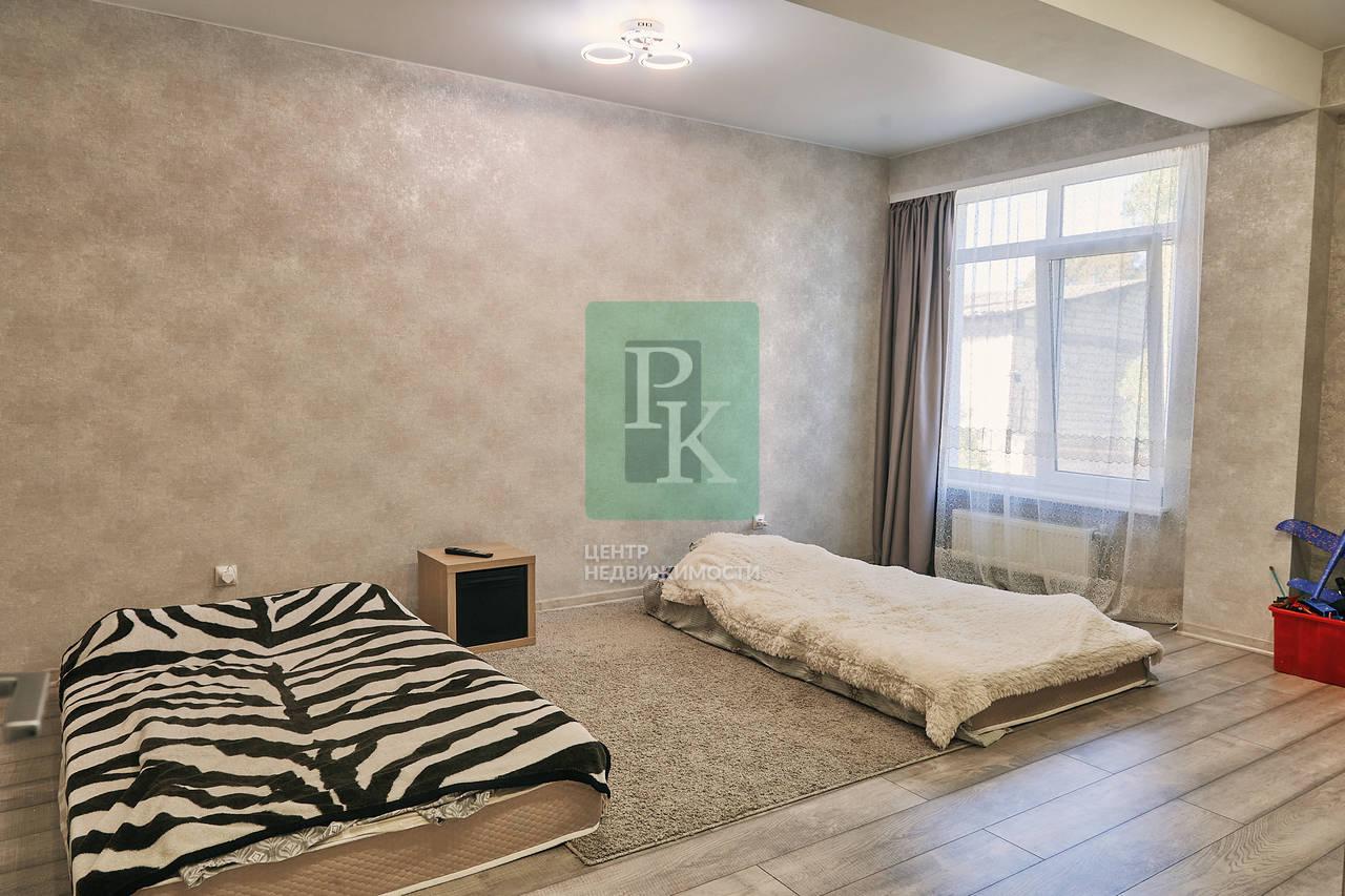 Продается видовая двухкомнатная квартира на  Шостака 43.