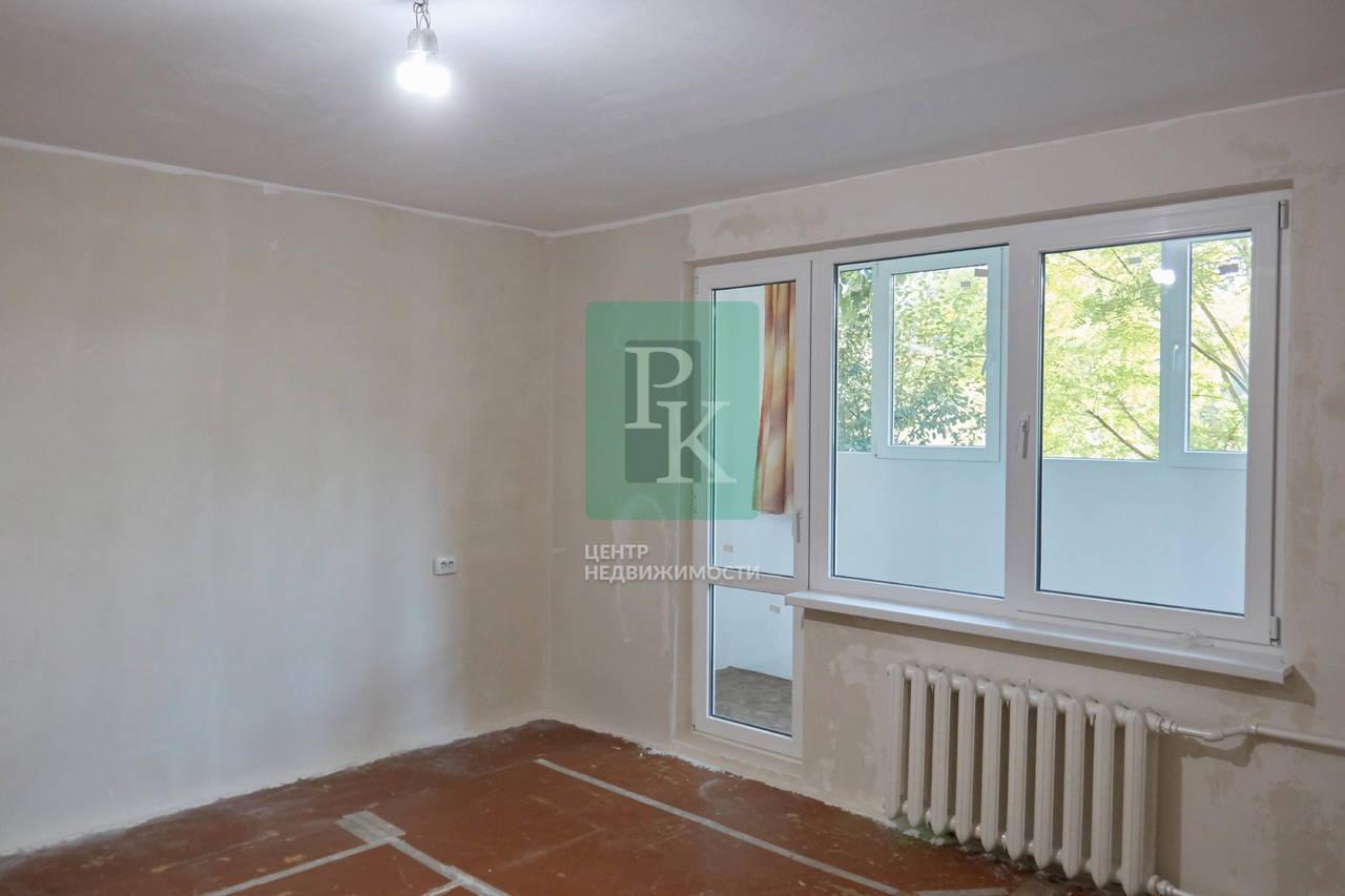 Продаётся  двухкомнатная квартира на пр. Октябрской революции 56Б