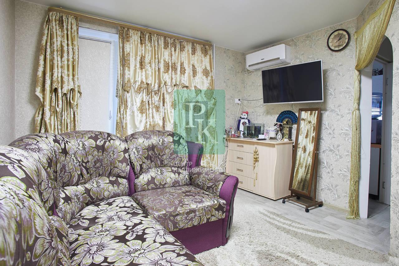 Продается однакомнатная квартира на Хрусталева 69