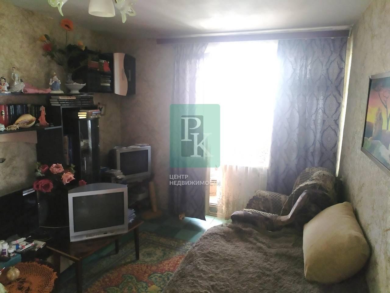 Продаётся 2х комнатная квартира на Корчагина 36.