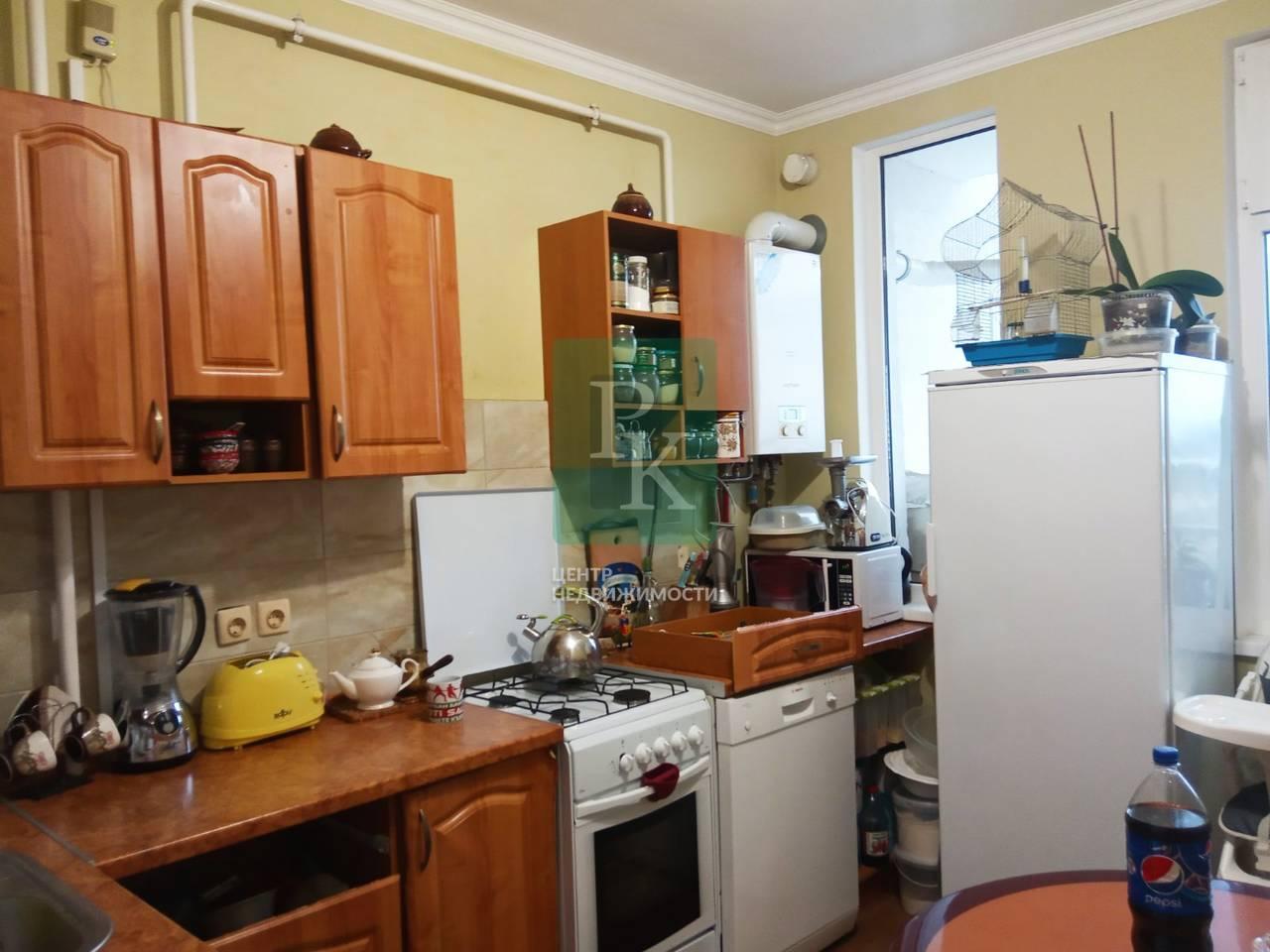 Продается двухкомнатная квартира в г Бахчисарае на улице Мира